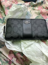 black Coach monogram leather wristlet North Vancouver, V7L 1V4