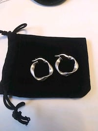 10K White gold Italy earring Whitchurch-Stouffville, L4A 0J5