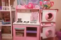 white and pink kitchen playset Conway, 72032