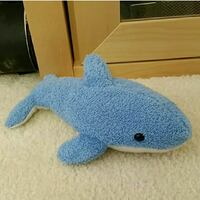 blue and white cat plush toy