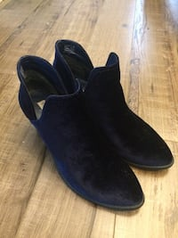pair of black suede slip on shoes Mississauga, L5E 2G8