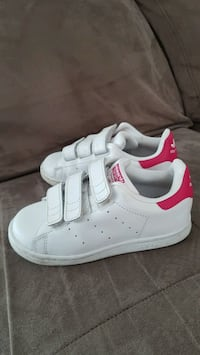 Adidas Stan Smith Toddler size 10 runner Coquitlam, V3J 7S9