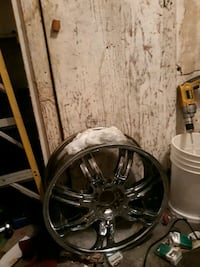 20 inch vct vct rims all center caps one new tire need two tires  Oklahoma City, 73114