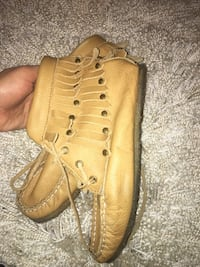 Genuine leather tan moccasins size 7 Burnaby, V3J 0A4
