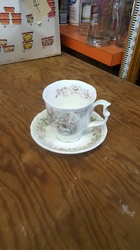 white-and-green floral ceramic teacup and saucer set Ijamsville, 21754