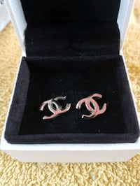 Chanel  earrings  Whitby, L1N 8X2