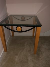 Two end tables Louisville, 40219
