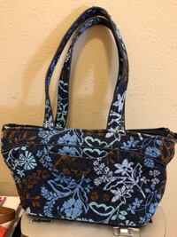 Vera Bradley Tote Winter Haven, 33884