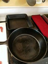 Vintage cast iron frying pans 9.5 and 10.5 Ijamsville, 21754
