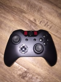 Xbox one controller  Abbotsford, V2T 2N8