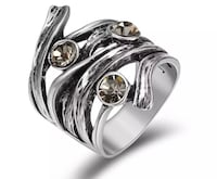 Brand new Viennois Retro Silver Color Vintage Ring Rhinestone Cocktail Party Nanaimo, V9T 2N6