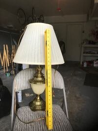 Ivory and brass table lamp  Glendale Heights, 60139
