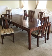 Rosewood dining room table and chairs Purcellville, 20132