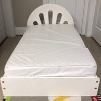 Toddler bed with mattress  Stoney Creek, L8E 3T1