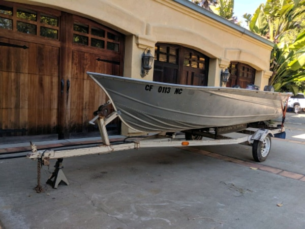 12 Ft Aluminum Fishing Boat