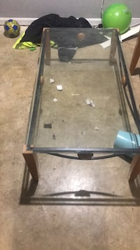 Glass top coffee table an 2glass top end tables