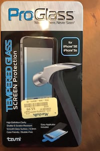 I phone SE or 5s screen protector and two cases Greencastle, 17225