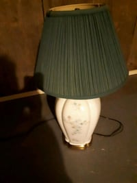 white and blue ceramic table lamp 547 km