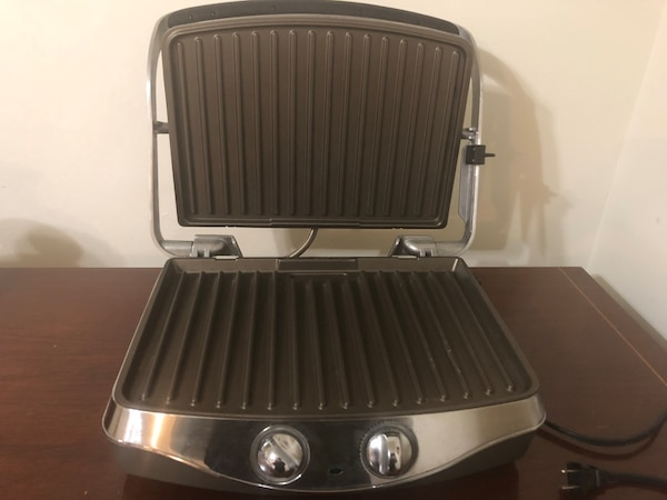Electric grill.