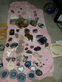gems,fossils, geeods, petrafided wood . Virginia Beach, 23452