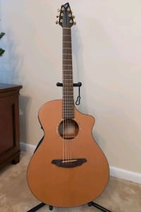 Breedlove C350/CMe Guitar