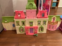 Fisher-Price Loving Family Dream Dollhouse with Caucasian Famil Ashburn, 20147