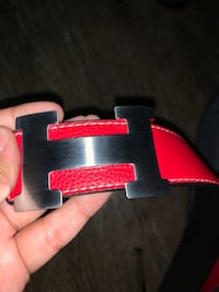 Reversible Hermes Belt. Black and Red. With a Silver Buckle.  Toronto, M5T