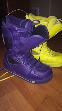Dc snowboard boots (size9)