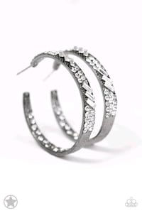 New large blingy hoop earrings  Central Point, 97502