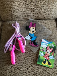 Minnie mouse jump rope, book and window cling 705 mi