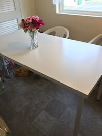 Rectangular white wooden table with four chairs dining set 67 km