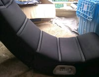 LIKE NEW GAMING GAMING CHAIR WITH BUILT IN SPEAKER 2281 mi