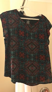 women's black and red sleeveless dress London, N5W 0A6