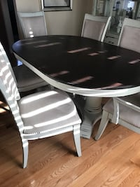 Rustic farm house dinning room set with 6 chairs in great condition  Warwick, 02888