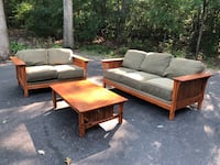 7 pc Mission style wooden living room set Fox Lake, 60041