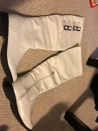 White boots size 10
