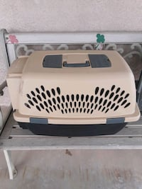 white and black pet carrier St. George, 84790