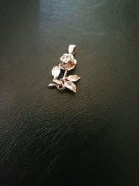 Real sliver rose necklace Winchendon, 01475