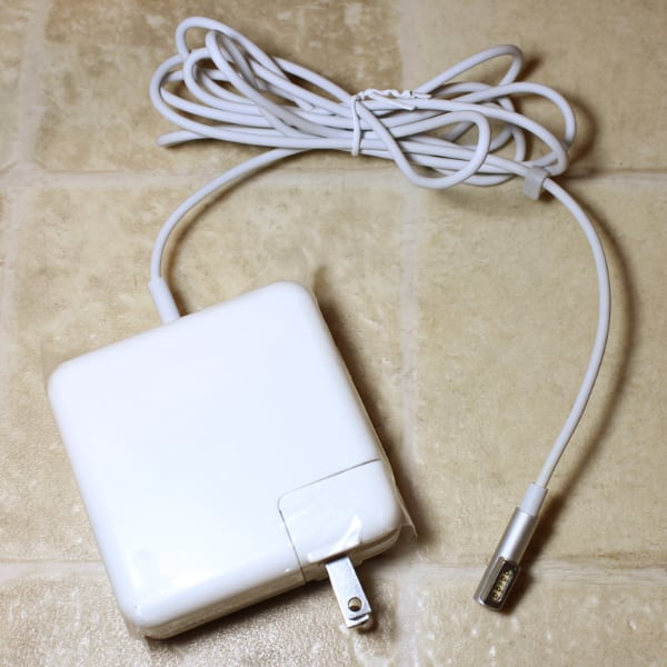 NEW 60w AC Adapter Charger for Apple Macbook Pro  [TL_HIDDEN]