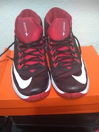 Pair of red nike basketball shoes Ceres, 95307