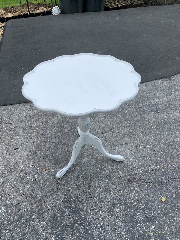 Beautiful Pie Crust Table chalk painted f3a012d4-2823-47fe-b68e-a93fda0617b0