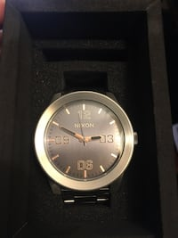 round silver-colored Nixon analog watch with link bracelet El Centro, 92243