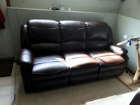 Leather Reclining Couch and Love Seat Red Deer, T4P 3Y5