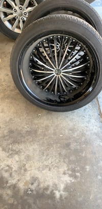 Rims 22s 2 crave good condition 1 rim a little scratch from curb San Bernardino
