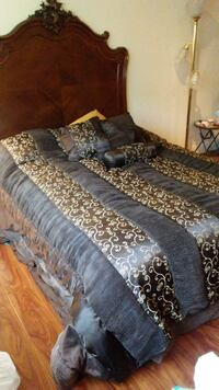 Bedspread , 4 deco pillows Hayward, 94542