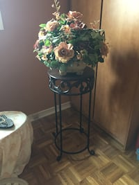 Brown side table with flowers arrangement Bolton, L7E 1H7