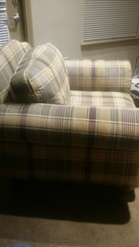 Lounge chair with ottoman and 2 pillows Newnan, 30263