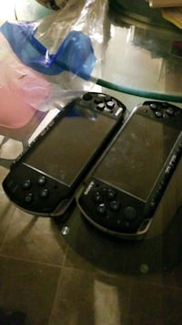 2x psp's cant buy one you will have to buy 2 cash only  Des Moines, 50314