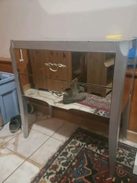 Small chest of 2 drawer