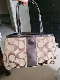 Coach purse Euc Oakville, L6H